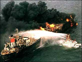 Oil_Tanker_in_Persian_Gulf_